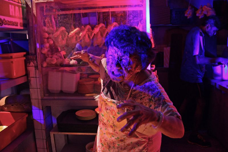 USS - HHN6 - Old Lady from Hawker Centre 2